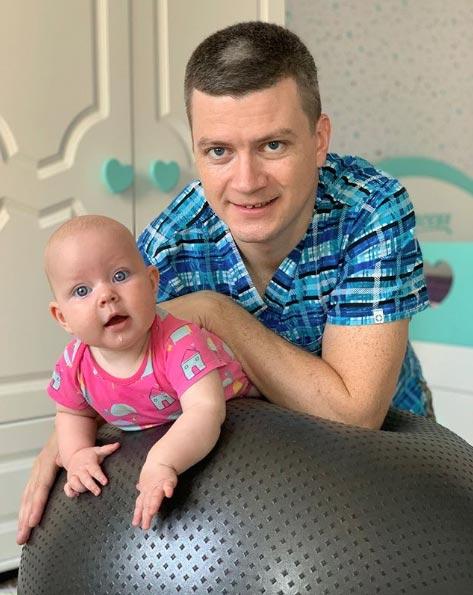 Как снять гипертонус у ребенка: 2 упражнения.  Тонус в ручках у ребенка
