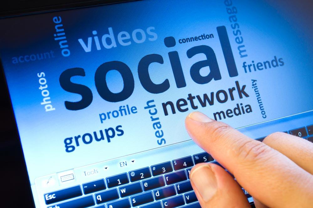 Какая польза от Facebook и Pinterest при поиске работы.  Доски объявлений на Facebook и Pinterest