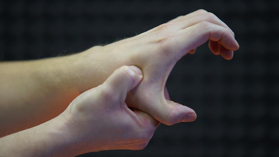 Жесткий массаж пальцев