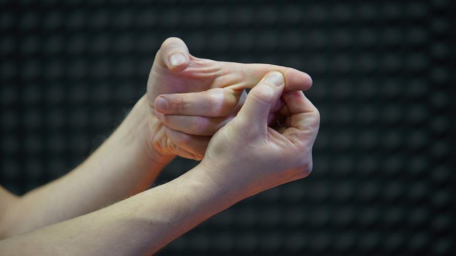 Массаж пальцев при мигрени