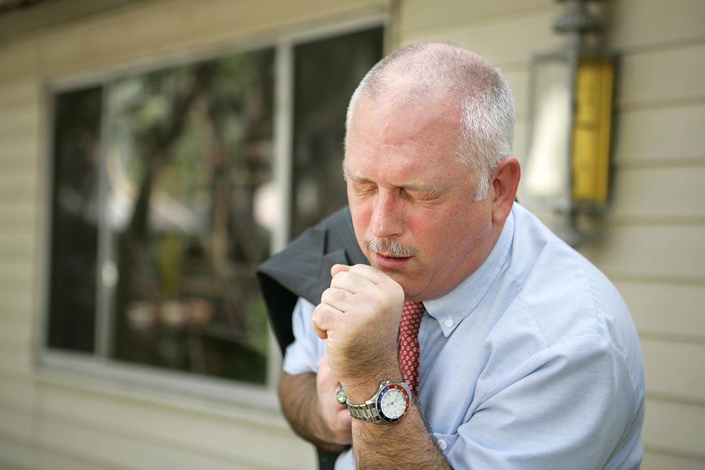 Причины кашля, при которых надо обратиться к врачу
