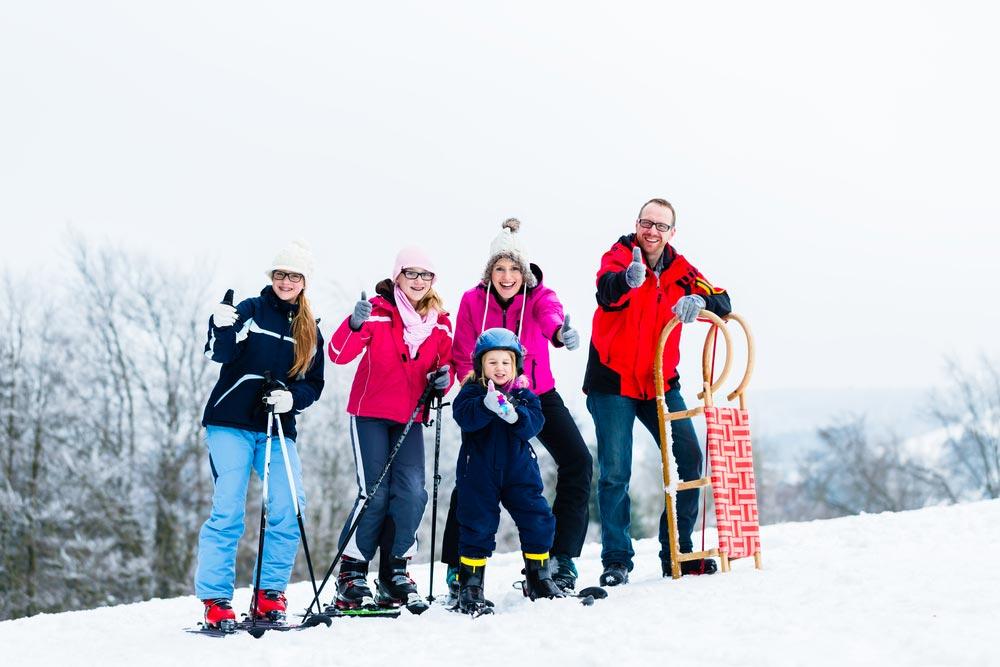 Как заниматься спортом в зимние каникулы