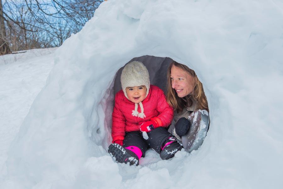 Строим снежную хижину