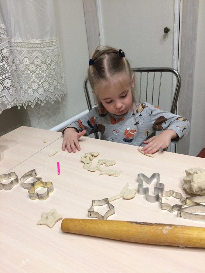 Печь игрушки на елку