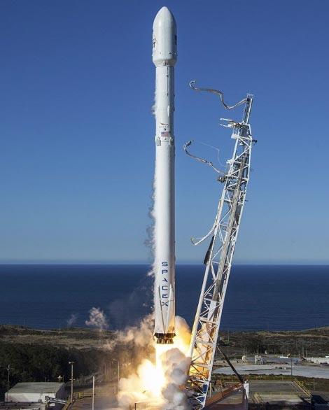 Cтарт ракеты Falcon 9
