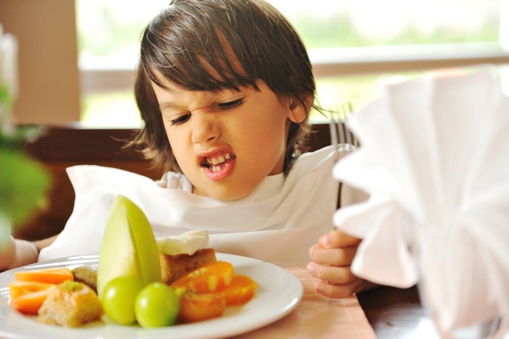Мой ребенок неест мясо (рыбу, овощи, фрукты, каши)