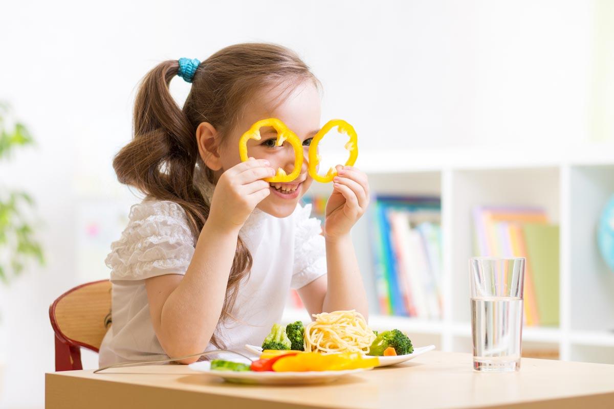 Как накормить ребенка или хотябы научить пробовать еду