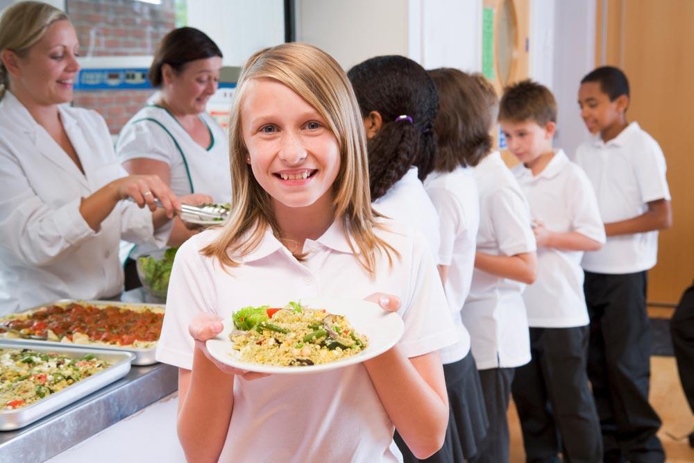 Как изменить семейное меню, чтобы кормить ребенка здоровой едой