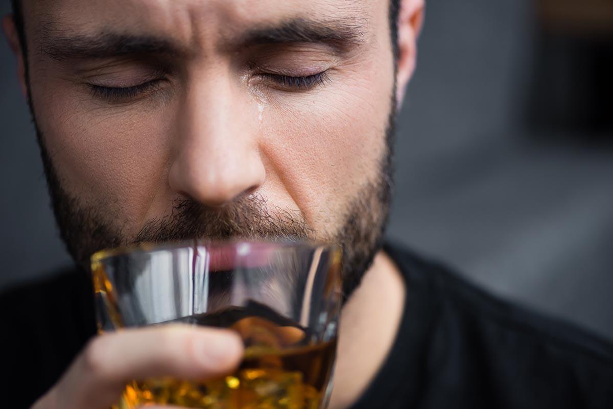 помогает ли алкоголь уснуть