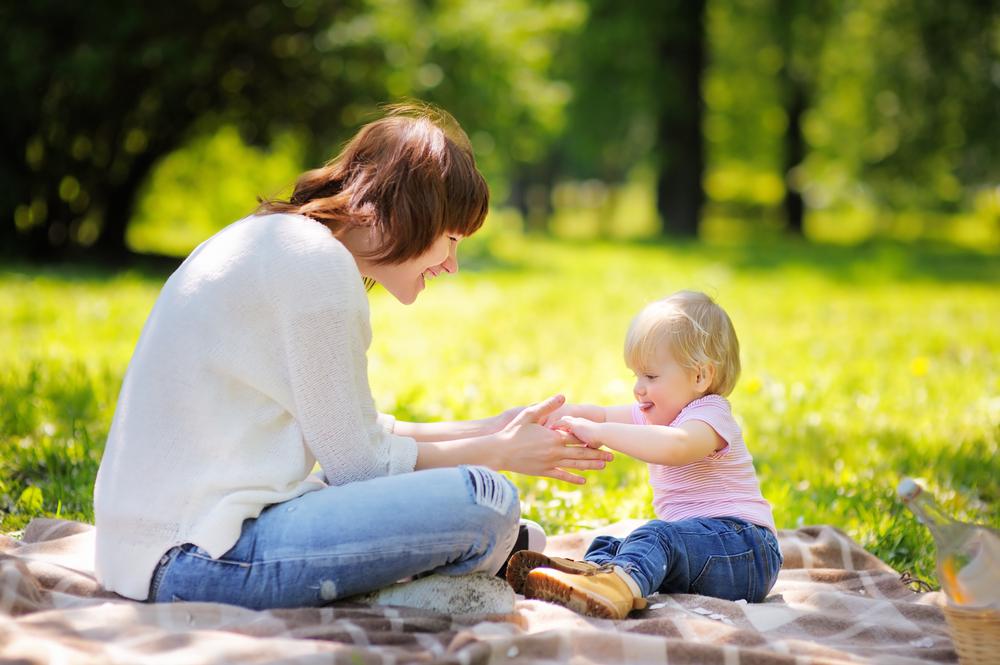 почему ребенок хорошо ведет себя с няней