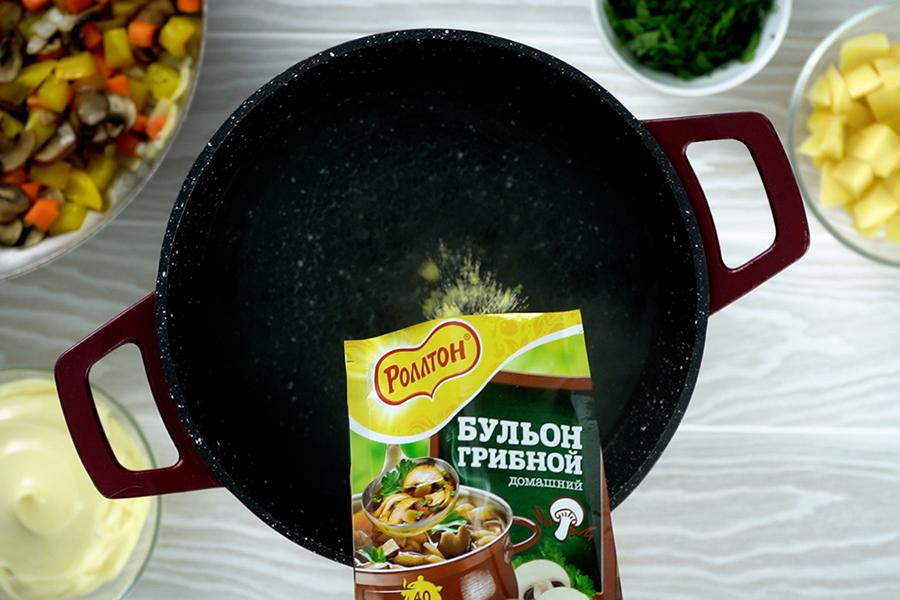 Сырный суп на грибном бульоне