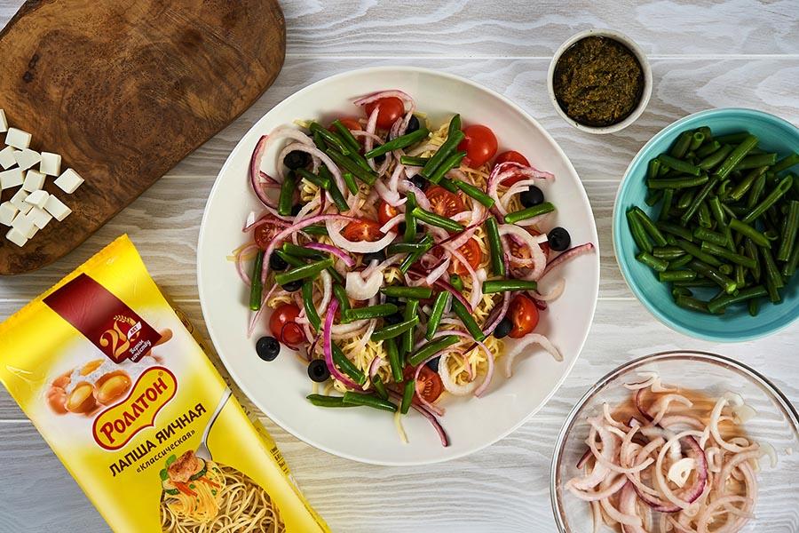 Греческий салат из лапши