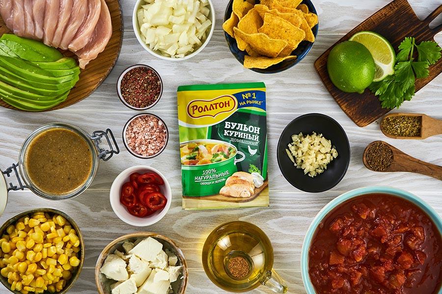 Мексиканский куриный суп с авокадо
