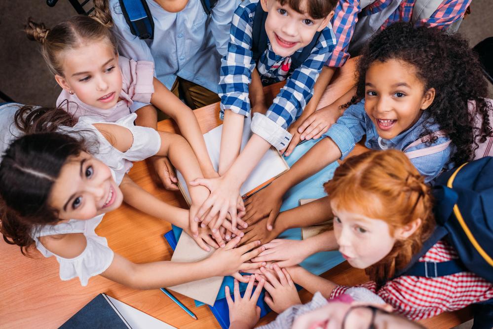 Взаимоотношения детей в коллективе