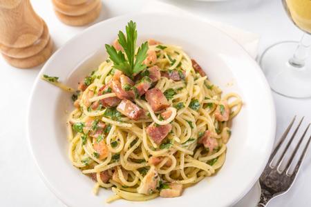 Спагетти ''карбонара'': Римская классика