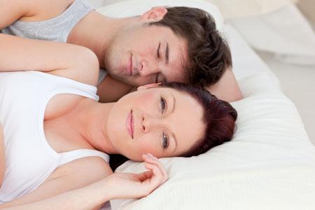 Муж занимается виртуальным сексом во время беременности жены