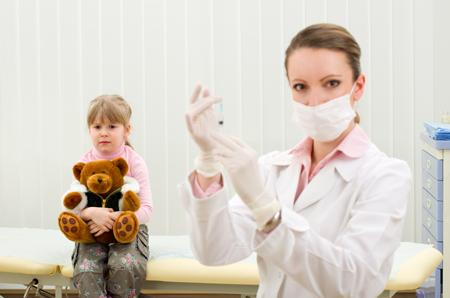 Тройная защита: делаем прививку АКДС (против коклюша, дифтерии и столбняка)