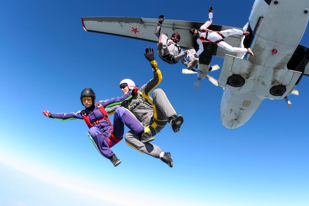 Подготовка к прыжку с парашютом