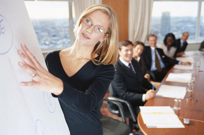 Первый день на новой работе главный бухгалтер