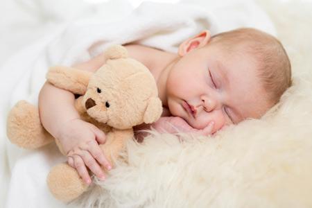 Ребенок в возрасте от 6 до 9 месяцев