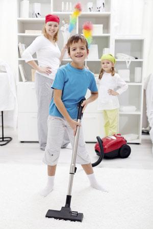 Как приучить ребенка не разбрасывать вещи: 9 действенных советов новые фото