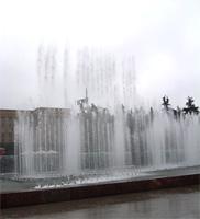'Песня' фонтанов на Московской площади