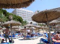 отель. Вид с пляжа