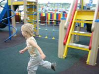 Замечательная детская площадка у ИКЕИ