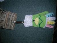 Приручение варежек: делаем нетеряшки для рукавичек своими руками