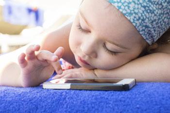 Зависим ли ребёнок от мобильного телефон